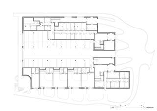 Plan du rez-de-chaussée Wohnhaus Im Forster de EM2N | Mathias Müller | Daniel Niggli<br>Architekten AG | ETH | SIA | BSA