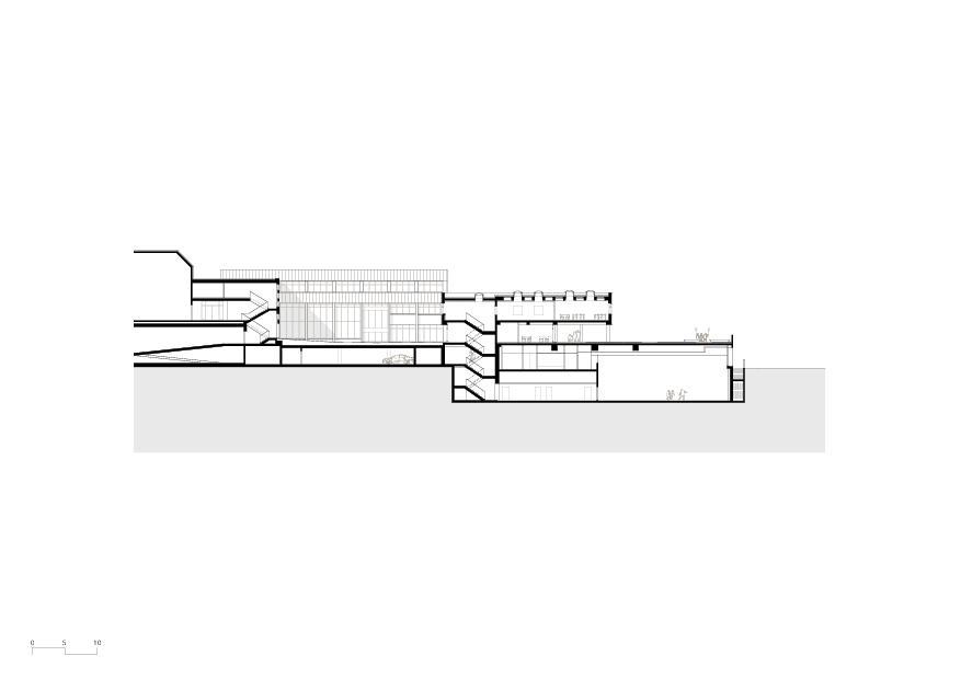 Schnitt Gesamterneuerung Schulhaus Grossmatt Hergiswil  von Schmid Ziörjen Architektenkollektiv