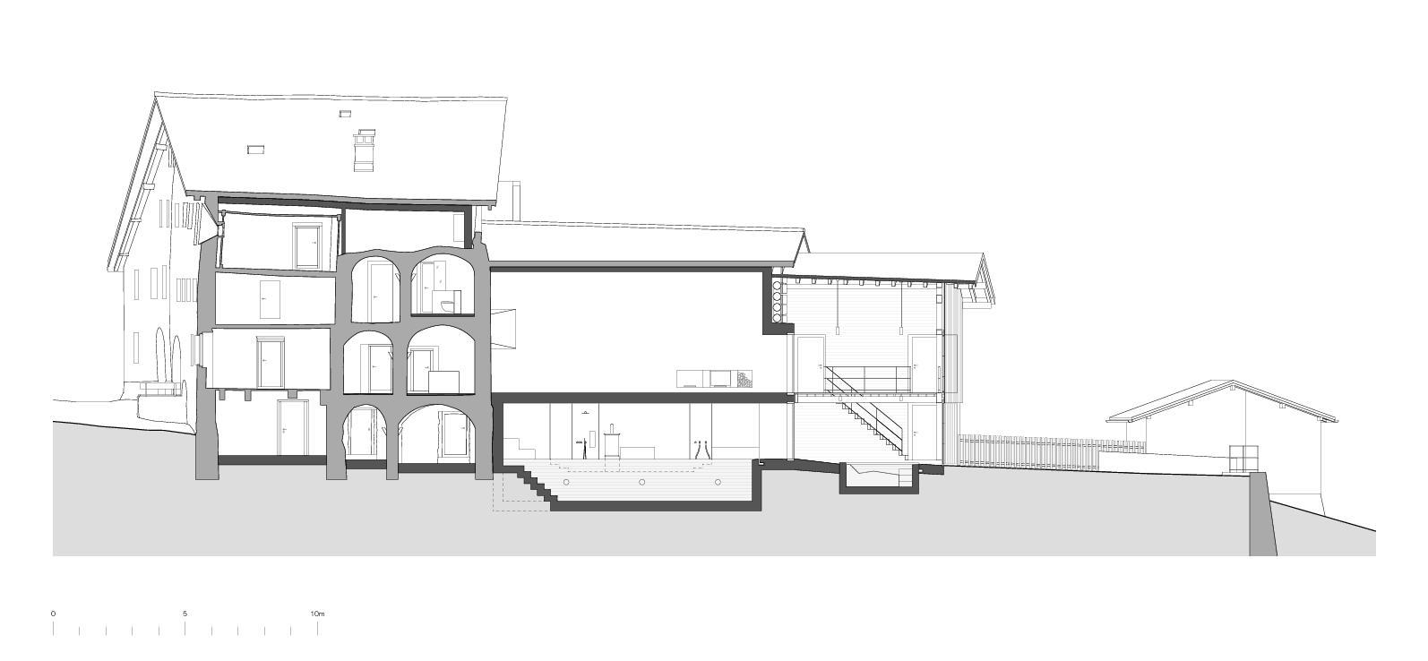 Coupe longitudinale Von der Ruine zum Nullenergiebilanzhaus de FELIX PARTNER Architektur und Design